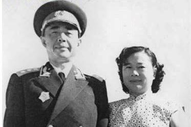 开国上将中为何有一位蒋介石的嫡系将领?