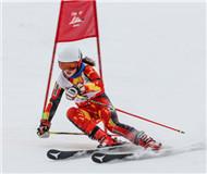 大众冰雪季全面开启 中国高山滑雪巡回赛持续升温