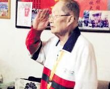 98岁华侨老兵抗战路:从非洲海上漂泊两月回国