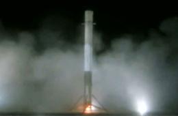 美国火箭将卫星送入太空后完美回收