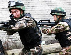 武警贵州总队六盘水支队战士冬季练兵(图)