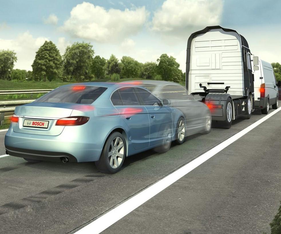 辅助驾驶系统日趋流行 行车安全更有保障