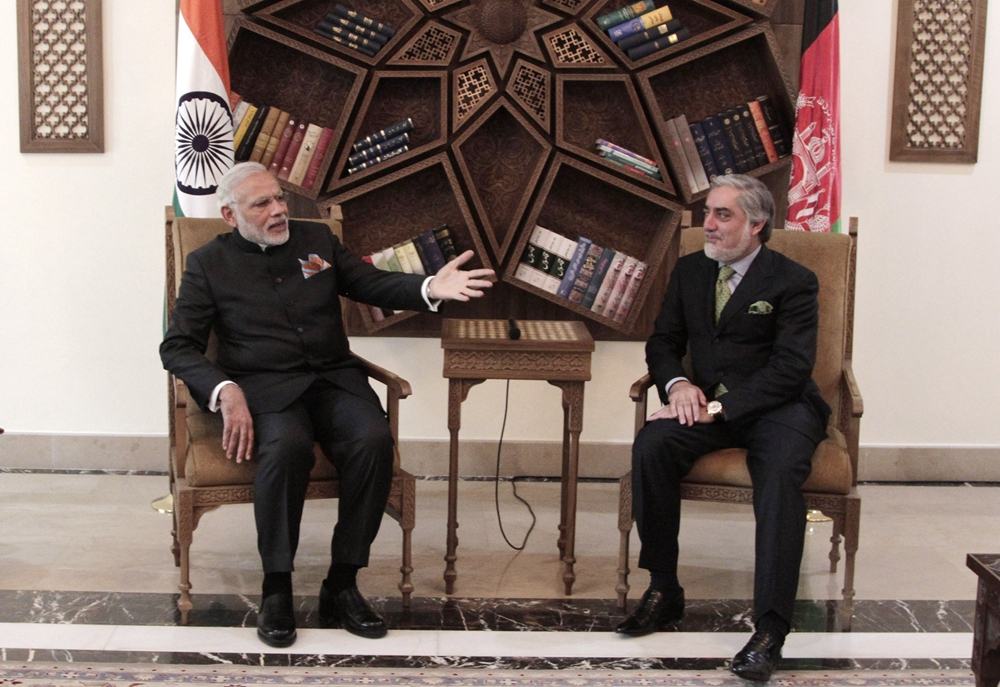 印总理莫迪首次访问巴基斯坦 与巴总理会面