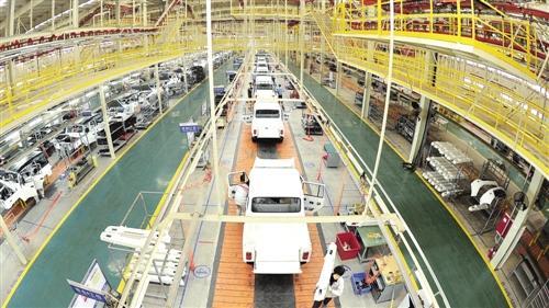 我国汽车产业踏上由大变强新征程 质量和技术双提升