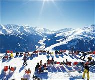 欧洲遭遇暖冬严重缺少雪 滑雪受伤事件显著增多