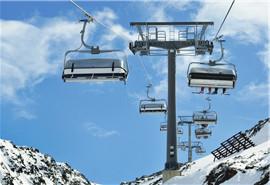 滑雪场缆车发生坠落时如何增加生存几率?