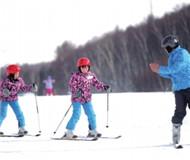 盲人滑雪队触梦冬奥 视障姐妹花备战冬季残奥会
