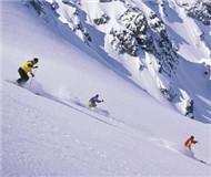 80后老雪友:骨折后仍偷偷滑雪 希望滑雪至暮年