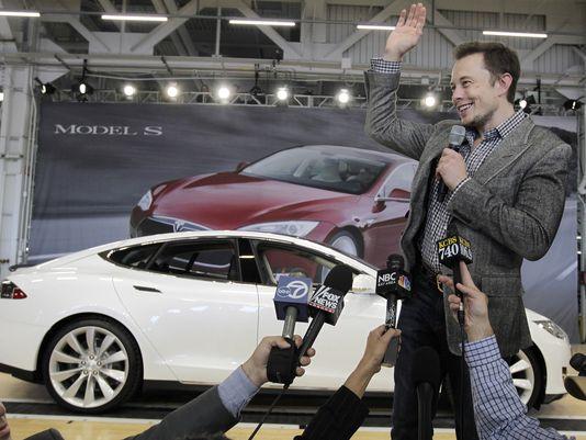 特斯拉Model S/Model X采用自动泊车技术