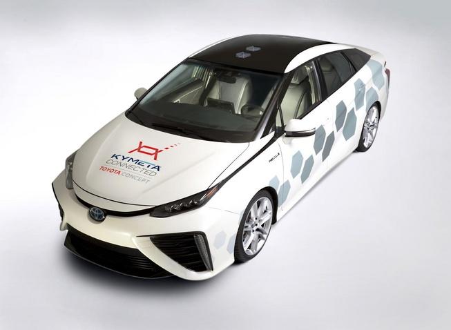 丰田Mirai测试车亮相底特律 引入卫星通信技术