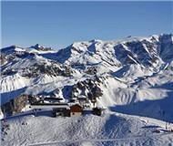 法国伊泽尔省滑雪地发生雪崩 已造成3人死亡