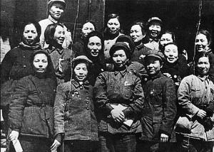 """揭秘长征路上女红军:""""五百农妇缴一团"""""""