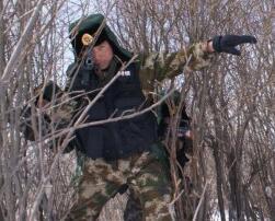 驻高原武警官兵在严寒条件下开展实战化演练