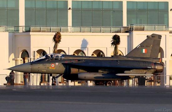 LCA战机抵达巴林与枭龙比拼