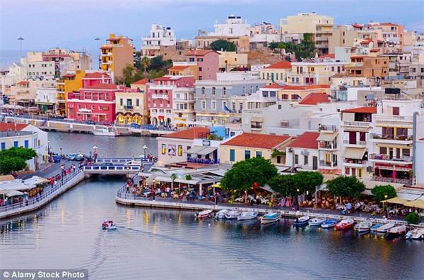 希腊482家酒店因经济持续低迷挂牌出售