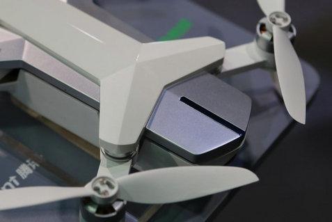 企鹅终于能飞了 腾讯与零度合作推出无人机