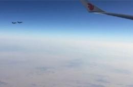 实拍沙特F-15战机为习近平专机护航