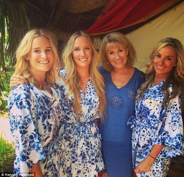 新西兰四姐妹为60岁母亲建立交友网站