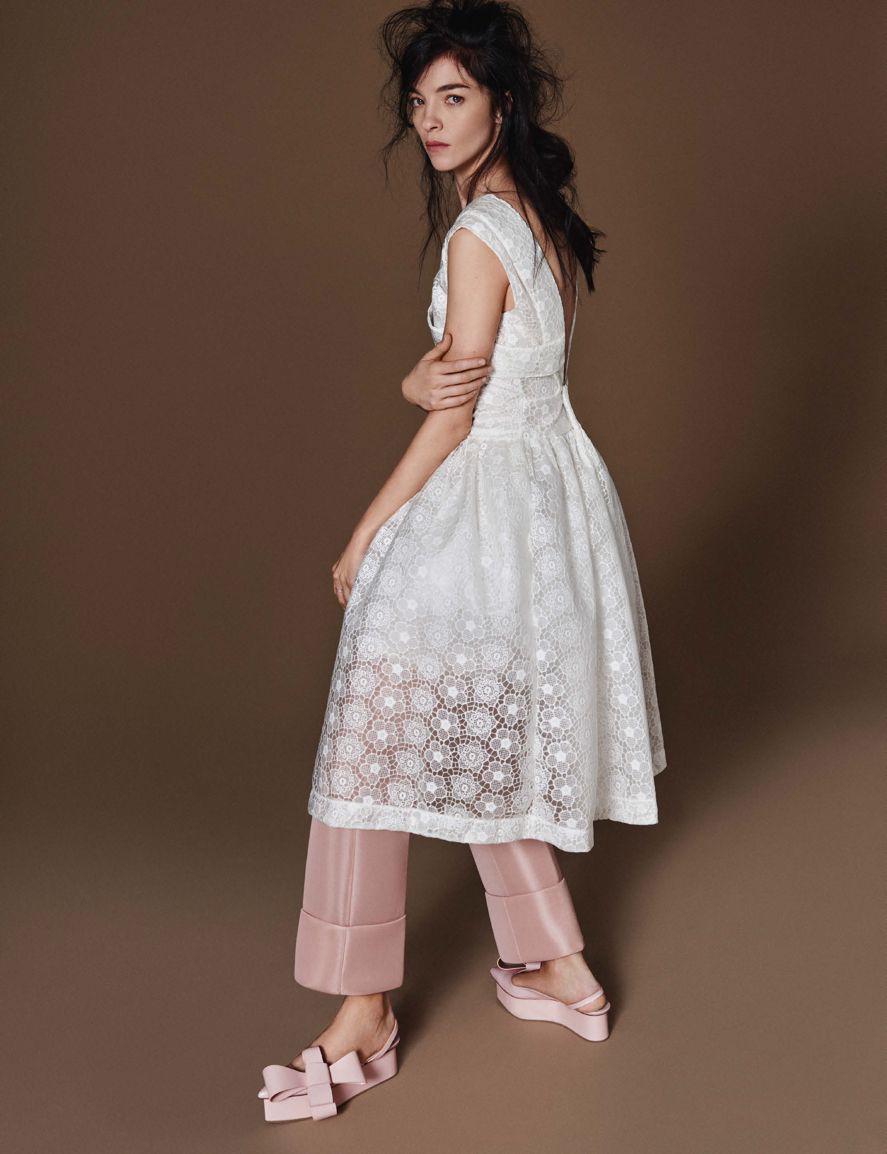 """德国版《Vogue》2016年2月刊封面大片""""fashion show"""" 释出"""