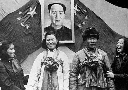组图揭秘建国后结婚仪式的演变史
