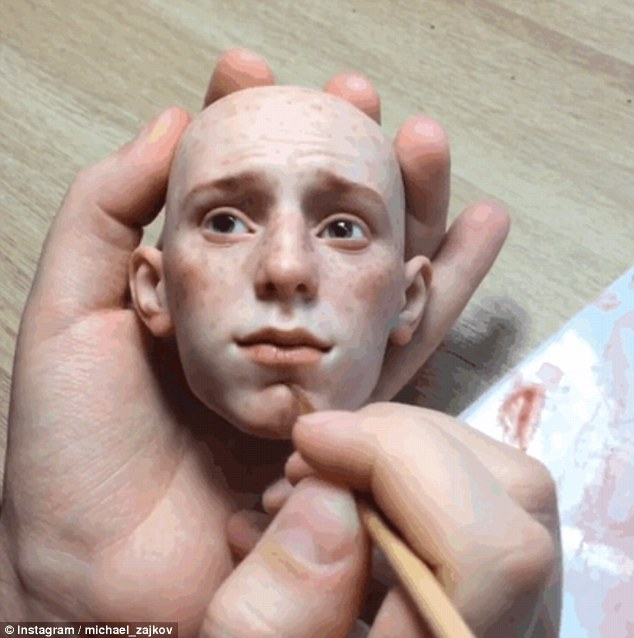 俄艺术家黏土造玩偶 网友惊呼太逼真