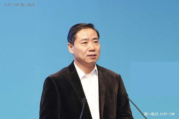 辛国斌:新能源汽车进入规模化发展阶段