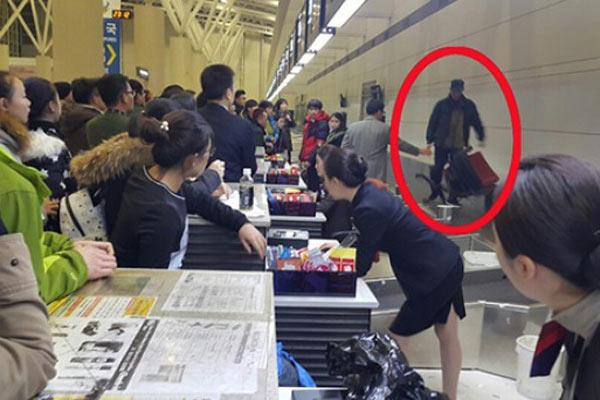 航班因寒潮停顿 中国旅客大闹韩国机场