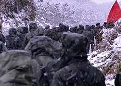 """迎""""寒""""而上!重庆武警野外演练身上落雪"""