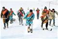 """天山牧民变身滑雪教练 从""""野路子""""走向专业化"""