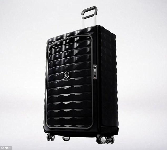 美设计师推出可折叠智能行李箱 内置定位追踪功能