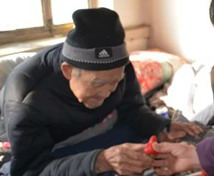 秦皇岛:铭记历史 志愿服务 慰问抗战老兵