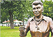 丑人多作怪!英媒盘点11处世界上最丑陋的雕塑