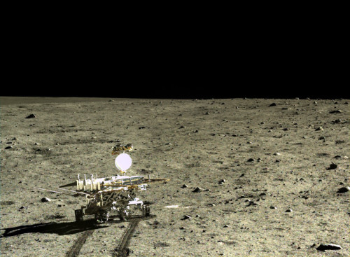 中国罕见公布探月图片引惊叹 外媒:迄今最好