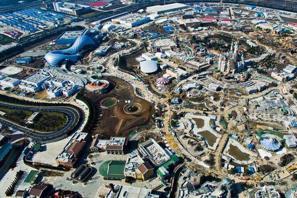 航拍上海迪士尼乐园:门票3月28日起售