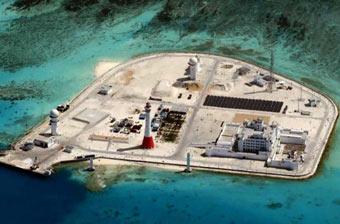 外军飞机又来偷窥南海岛礁工程