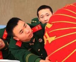 甲板上的新春坚守:浙江武警战士护卫海域安全