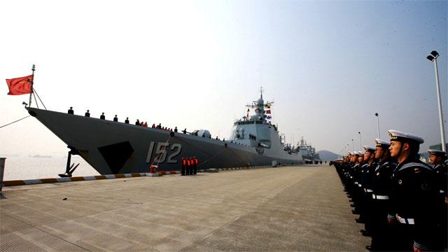 152舰艇编队环球航行归来