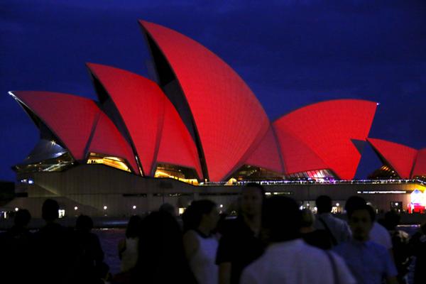 """悉尼歌剧院身披""""红外衣""""迎接中国农历新年"""