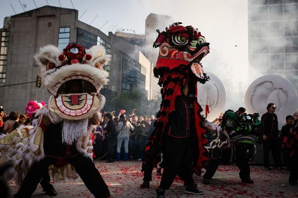 墨西哥人迎接中国猴年春节