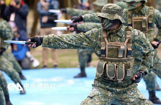 台军春节精锐蛙人特战队露面