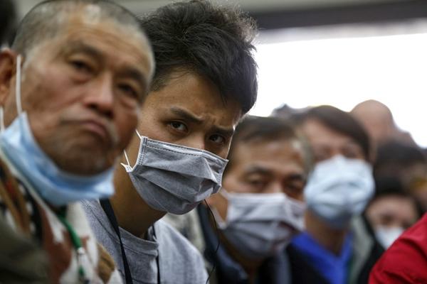 台湾地震已过72小时黄金救援期 家属表情纪实