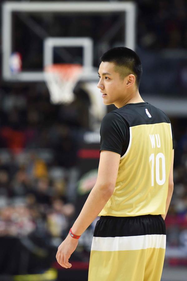 吴亦凡NBA名人赛首发得分 称勉强及格