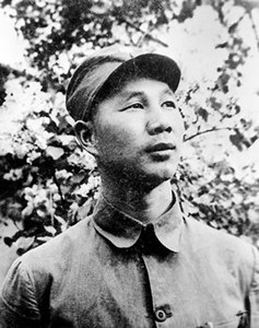 1935年杨成武率部扮国军兵不血刃智取三县城