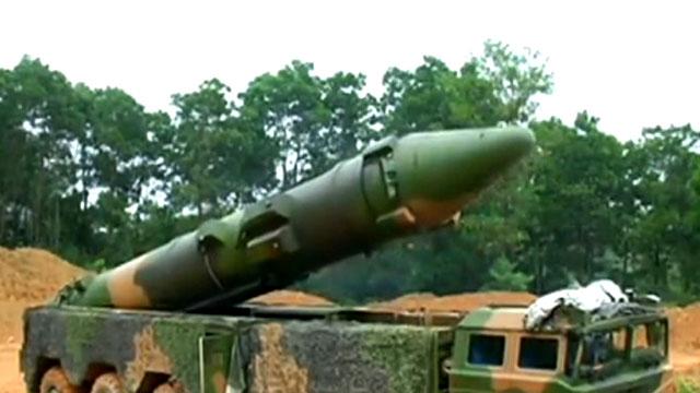 反航母弹道导弹在南方山区亮相