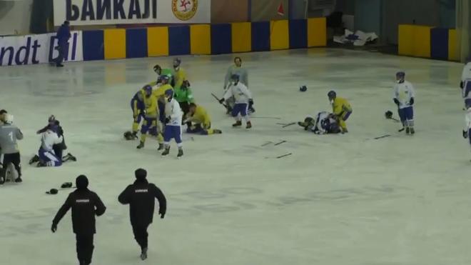 蒙古和乌克兰国家队在班迪球世界杯上斗殴(图)