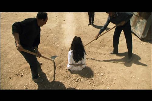 老妈通奸故事_4名伊拉克女子遭is成员性侵后被控通奸罪 遭石刑砸死