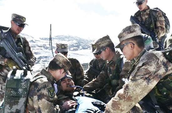 驻藏边防春节在5000米高原巡逻