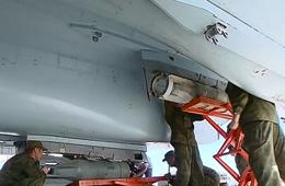 俄军为驻叙苏35战斗机加挂炸弹导弹