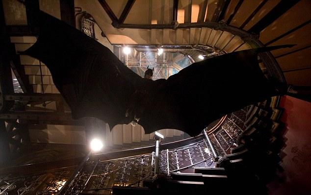 受蝙蝠启发 英国科学家研发新型无人机