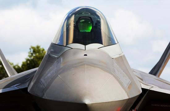 中国网友镜头下的最强战机F-22